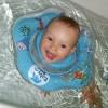 Pro svobodný pohyb kojenců a batolat při vodních radovánkách ve vaně i bazénu